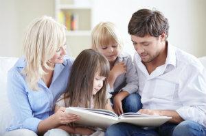 Das Familienrecht regelt die Rechtsverhältnisse der durch Familie, Verwandtschaft, Ehe und Lebenspartnerschaft miteinander verbundenen Personen.