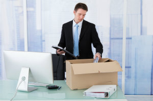 Für eine rechtmäßige Kündigung muss das geltende Arbeitsrecht eingehalten werden.