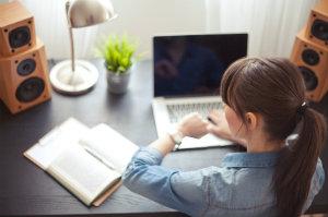 Die Einhaltung einer geregelten Arbeitszeit ist ein wichtiger Teil des Arbeitsschutzgesetzes.