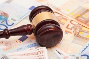 Bei einer Kündigungsschutzklage kommen Kosten auf beide Parteien zu.