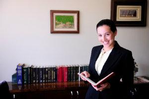 Eine Rechtsberatung im Arbeitsrecht kann in vielen Situationen wichtig sein.
