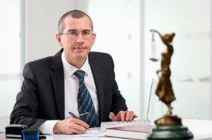 Der Rechtsanwalt von heute sollte auch online überzeugen – Mandanten können sich so einen ersten Eindruck verschaffen.