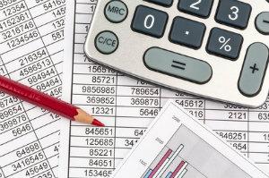 Welches Honorar ein Steuerberater verlangt, hängt von den Umständen ab.