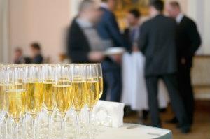 Für Betriebsfeiern buchen Unternehmen gerne einen Cateringservice und Partyservice.