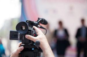 Ein Werbefotograf bietet professionelle Werbefotos.
