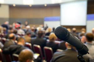 Kongresse oder Tagungen profitieren sehr von der Erfahrung einer kompetenten Eventagentur.